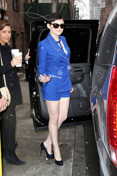 More Pics of Ginnifer Goodwin Short Suit (1 of 11) - Short Suit Lookbook - StyleBistro