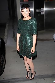 Ginnifer looked ready for the Holidays early in this sequined emerald dress.