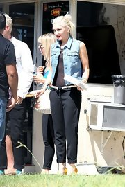 Gwen sported her signature rocker-cool in a light-washed denim vest.