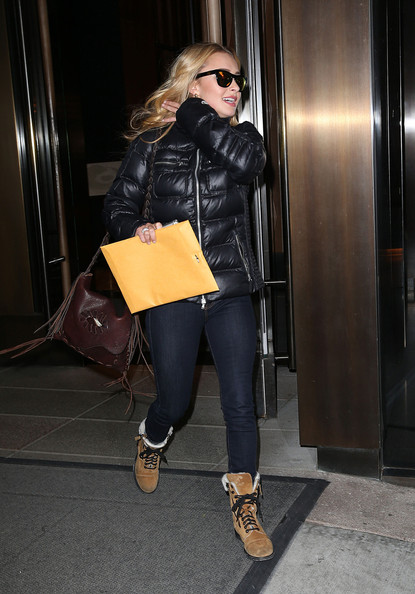 More Pics of Hayden Panettiere  snow boots (1 of 11) - Boots Lookbook - StyleBistro