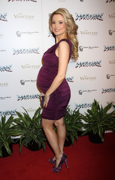 More Pics of Holly Madison Maternity Dress (1 of 11) - Holly Madison Lookbook - StyleBistro