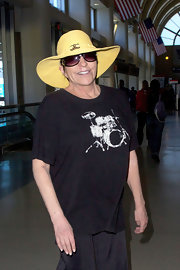 Liza Minnelli wore a summery hat upon arriving at LAX from a flight.