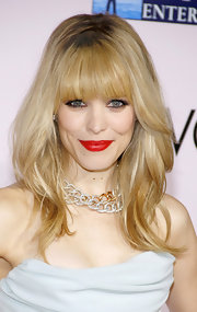 Rachel McAdams attended the premiere of 'The Vow' wearing her blond tresses in soft waves with lash-grazing bangs.