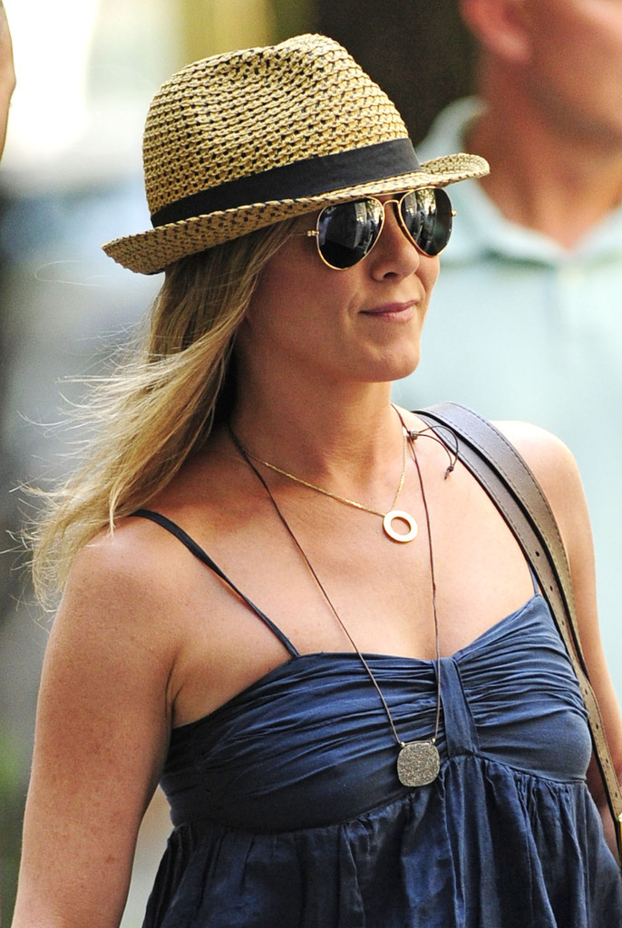 1b7e120a93dc0 Nothing says summertime quite like a pair of classic sunnies. Just ask Jennifer  Aniston