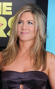 Jen's tousled layers looked sexy yet elegant at the premiere of 'We are the Millers.'