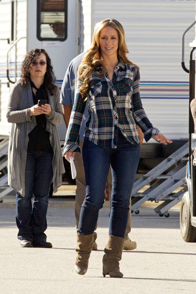 More Pics of Jennifer Love Hewitt Classic Jeans (3 of 18) - Jeans Lookbook - StyleBistro