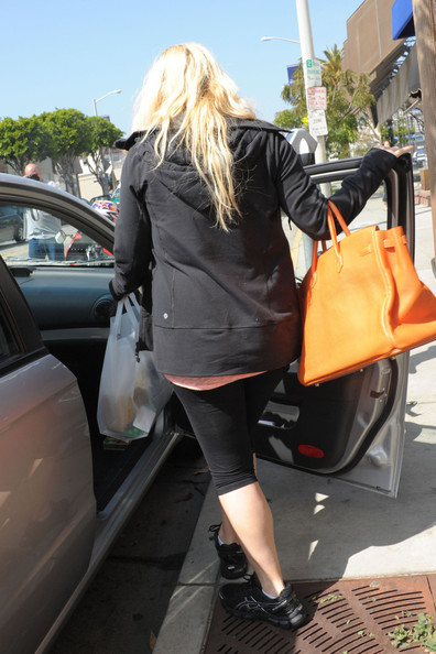 More Pics of Jessica Simpson Leather Tote (1 of 13) - Jessica Simpson Lookbook - StyleBistro