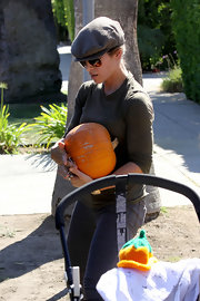 Jillian Michaels tried to go incognito with a houndstooth newsboy cap while visiting a pumpkin patch.