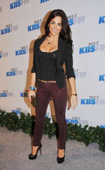 Jillian Murray Clothes