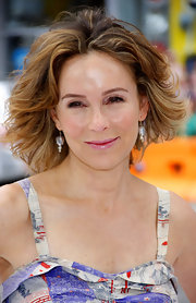 Wearing a sundress and wind-blown waves, Jennifer Grey looked so breezy at the premiere of 'Mr. Popper's Penguins.'