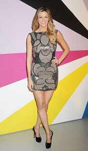 Erin Andrews topped off her beaded frock with black patent leather platform pumps.