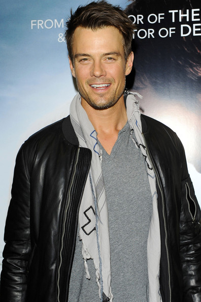 Josh Duhamel Patterned Scarf []
