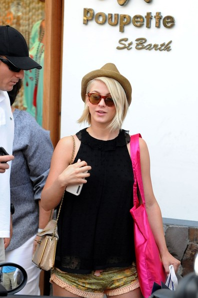 More Pics of Julianne Hough Loose Blouse (5 of 39) - Julianne Hough Lookbook - StyleBistro