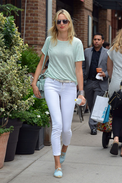 More Pics of Karolina Kurkova T-Shirt (4 of 7) - Karolina Kurkova Lookbook - StyleBistro
