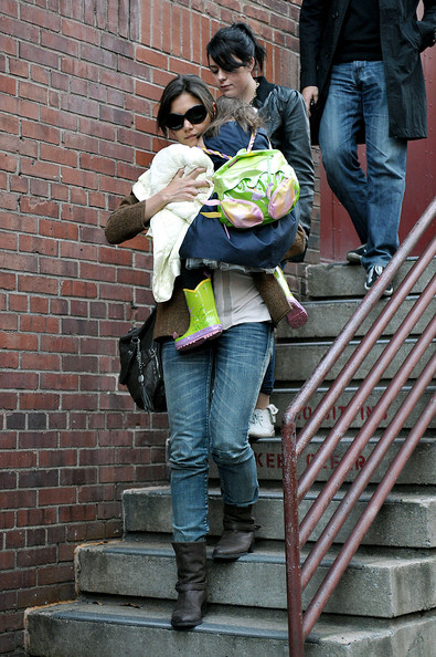 Katie Holmes Leaves the Joyce Theatre