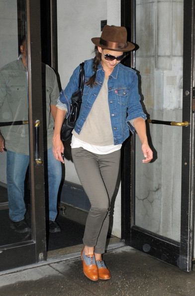 Katie Holmes Flat Oxfords []