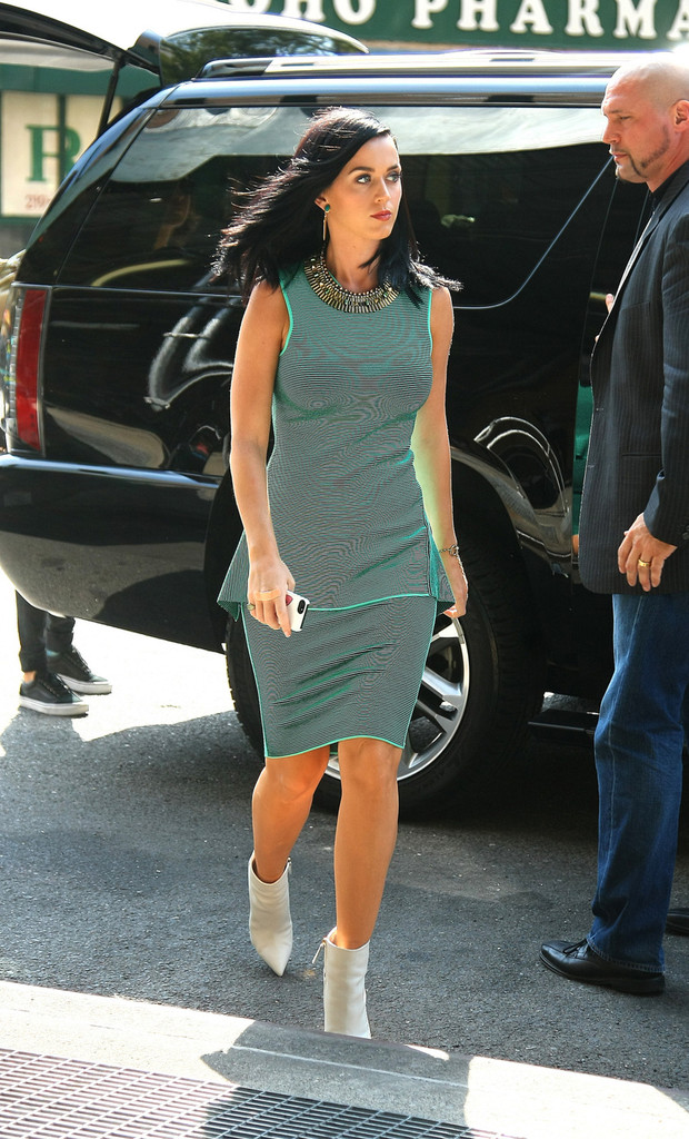 Katy Perry Cocktail Dress Katy Perry Looks Stylebistro