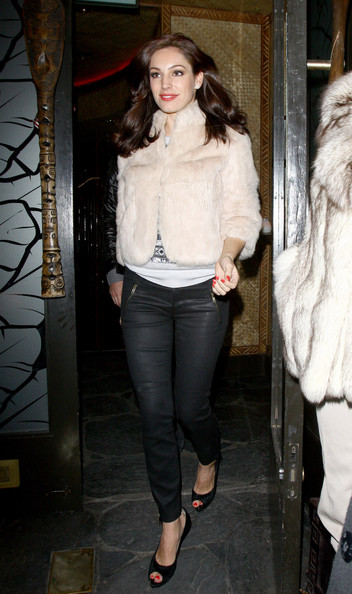 Kelly Brook Fur Coat