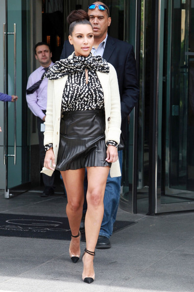Kim+Kardashian in Kim Kardashian and Kris Jenner leave their New York hotel