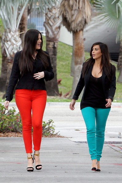More Pics of Khloe Kardashian Skinny Jeans (1 of 20) - Jeans Lookbook - StyleBistro