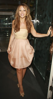 Kimberley Walsh pulled her stylish look together with a pair of embellished nude pointy pumps.