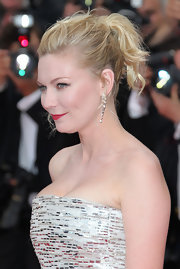Kirsten Dunst styled her textured locks in a high ponytail for the closing ceremony of the Cannes Film Festival.