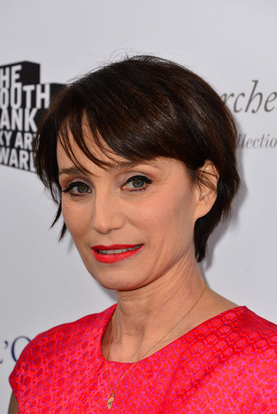 Kristin Scott Thomas Short Cut With Bangs []