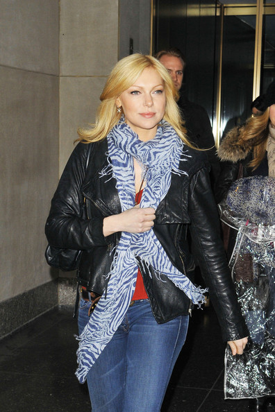 More pics of laura prepon skinny jeans 8 of 11 jeans lookbook stylebistro - Laura nue ...