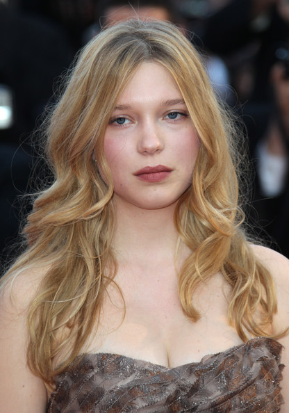 Long Curls With Bangs, Long Hairstyle 2013, Hairstyle 2013, New Long Hairstyle 2013, Celebrity Long Romance Hairstyles 2037