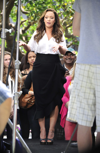 More Pics of Leah Remini Pencil Skirt (1 of 11) - Leah Remini Lookbook - StyleBistro