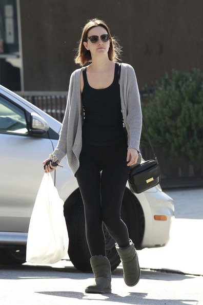 More Pics of Leighton Meester Leather Messenger Bag (1 of 18) - Leighton Meester Lookbook - StyleBistro