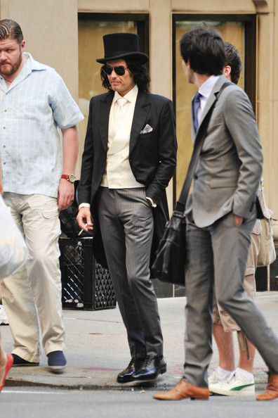 More Pics of Russell Brand Top Hat (1 of 16) - Russell Brand Lookbook - StyleBistro []