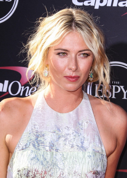 Maria Sharapova Bobby Pinned Updo