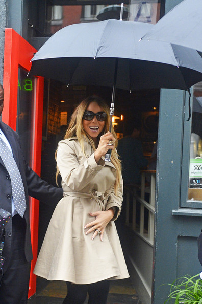 More Pics of Mariah Carey Trenchcoat (1 of 5) - Mariah Carey Lookbook - StyleBistro