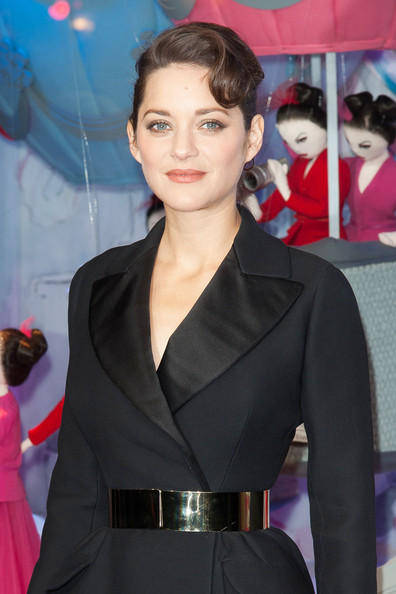 Marion Cotillard Metallic Belt