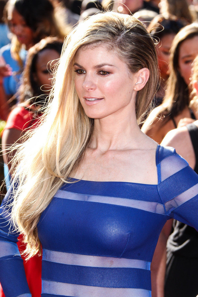 marisa miller side sweep marisa miller hair looks