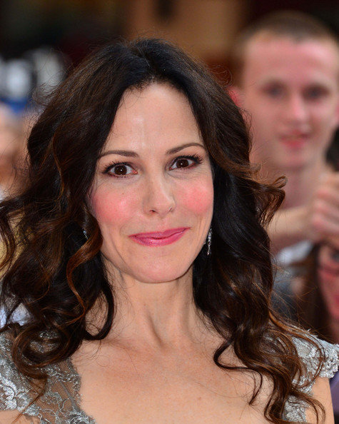 Mary-Louise Parker Pink Lipstick []