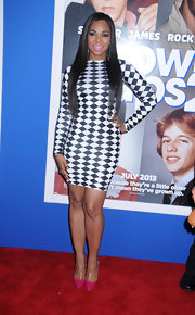 Ashanti opted for this black-and-white checkered dress for her totally modern look while out at the premiere of 'Grown Ups 2.'