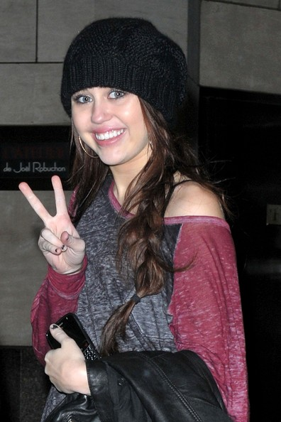 Miley Cyrus Cable Beanie []
