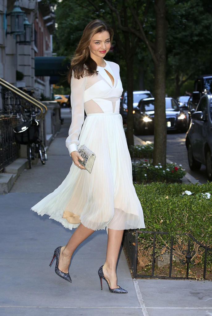 Miranda Kerr Heads to the Theater — Part 3