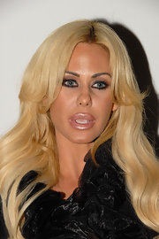 Shauna Sand made her pout stand out with a swipe of frosted nude lipstick during a night of clubbing at Voyeur.