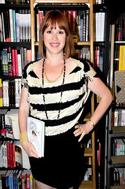 Molly Ringwald looked laid-back but oh-so-stylish in her striped blouse.