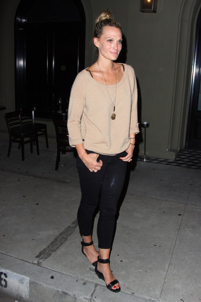 More Pics of Molly Sims Leggings (1 of 16) - Molly Sims Lookbook - StyleBistro