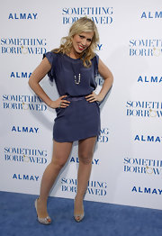 Natasha looked sweet in a blue silk frock at the 'Something Borrowed' premiere.