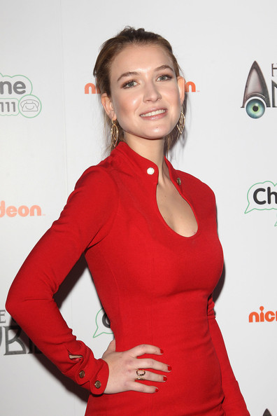 Nathalia Ramos Leaf Earrings