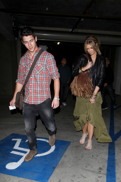 More Pics of Delta Goodrem Gladiator Sandals  (1 of 16) - Delta Goodrem Lookbook - StyleBistro