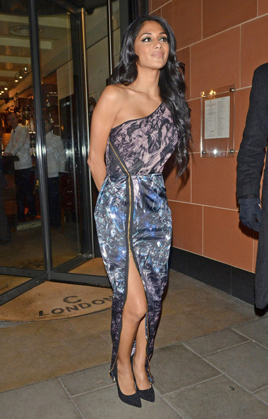 More Pics of Nicole Scherzinger Print Dress (4 of 7) - Nicole Scherzinger Lookbook - StyleBistro