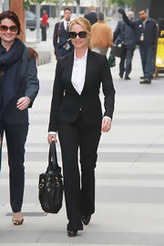 Nicollette Sheridan looked sophisticated in a well-tailored black suit.