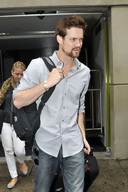 Shane West went for an easy, breezy look with his light gray button-down and jeans.