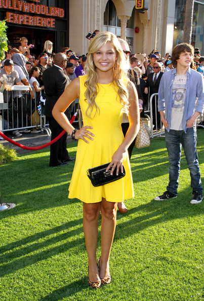 Olivia Holt Leather Clutch []